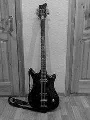 Продам бас-гитару Урал