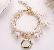 Комплект: женские часы с жемчужным браслетом  серьги
